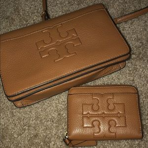 Tory butch cross body purse and wallet